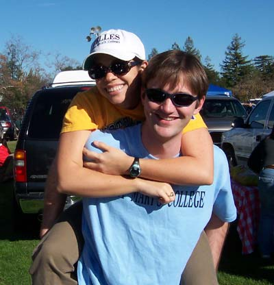 [Mel and Jer tailgating]